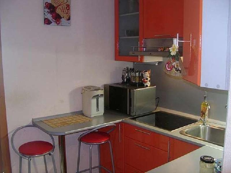 Гостинка с кухней в районе баляева..