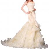 Посуточная аренда Свадебное платье цвета айвори с длинным шлейфом. Размер: S-M в Екатеринбурге