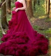 Посуточная аренда Пышное платье бордового цвета, шлейф которого 1,5 м в Курске