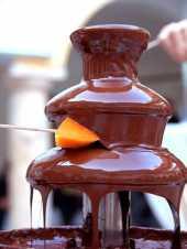 Посуточная аренда Шоколадный фонтан.Для фонтана 25 см потребуется от 400г шоколада без наполнителя + 100-150г молока или воды в Архангельске