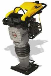 Посуточная аренда Трамбовка бензиновая Wacker Neuson BS 60-4s с четырехтактным двигателем воздушного охлаждения, надежная и мощная машина, которая подходит для уплотнения больших объемов грунта на больших площадях в Майкопе