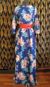 Посуточная аренда Платье синее с розами в пол. Размер 46-48. Пояса разные из наличия в Кирове