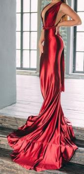 Посуточная аренда Эффектное платье-трансформер со шлейфом. Размер 40-42 в Самаре