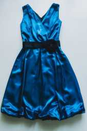 Посуточная аренда Платье-баллон насыщенного синего цвета с черным поясом, размер 42-44 в Иваново